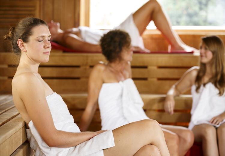 Sauna genießen Damensauna