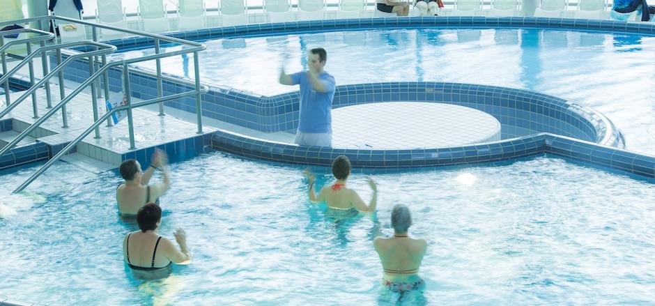 Therapie in der Therme Bewegung im Wasser